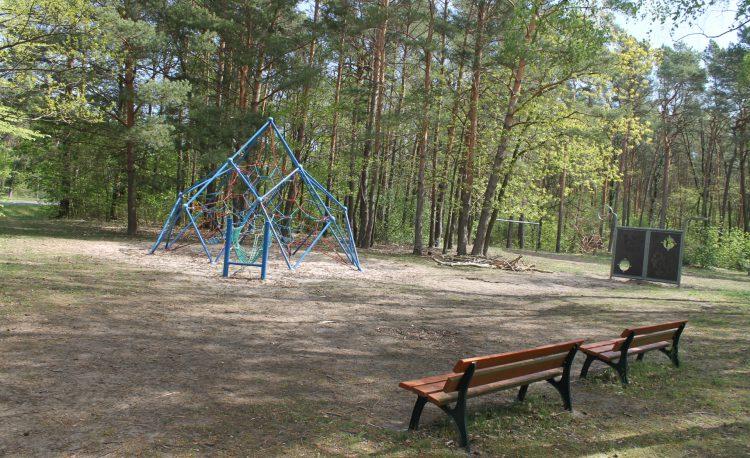 Spielplatz Ernst-Thälmann Straße in Grünheide