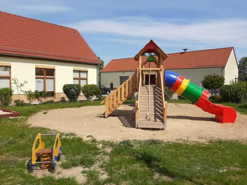 Neugestalteter Spielplatz in Kagel