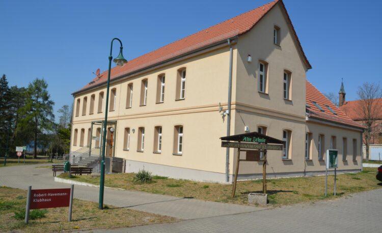 Ansicht Robert-Havemann-Klubhaus Grünheide